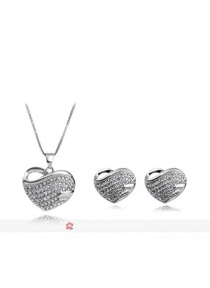 Rodium Plated Heart Pendant Set