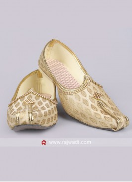 Golden colour Mojari for Men