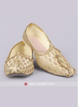 Golden colour Mojari for Men