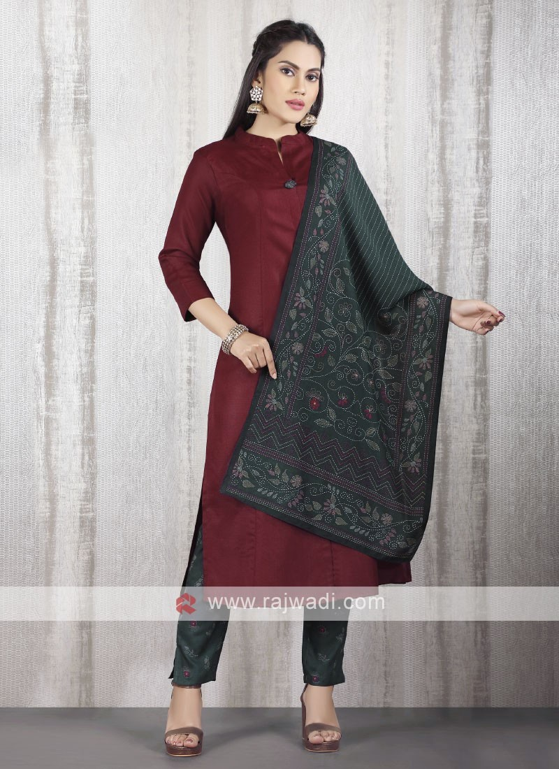 solid maroon kurti with bottle green pant