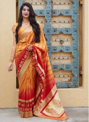 Tantalizing Designer Contemporary Saree For Reception