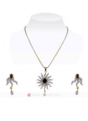 The Rising Sun Black Pendant Set