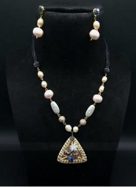 Trendy Necklace Set With Earrings