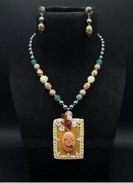 Unique Pearls Necklace Set