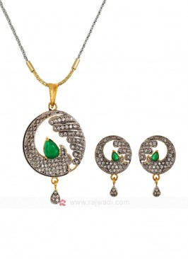 Waves of Zircon Green Pendant Set