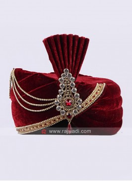 Wedding Wear Velvet Safa With Fancy Broach