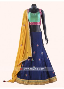 Winsome Zari Work Chaniya Choli For Navratri