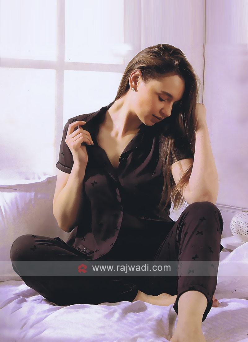 Women dark grey night suit