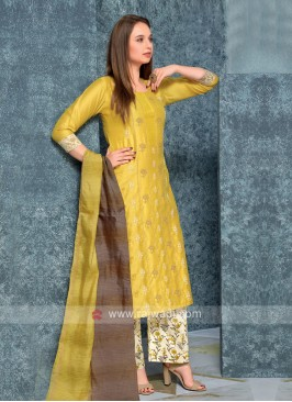 Women Golden kurta with Palazzos & Stole