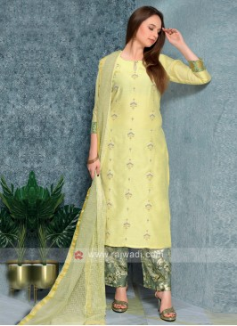 Women Lemon yellow kurta with Palazzos & Stole