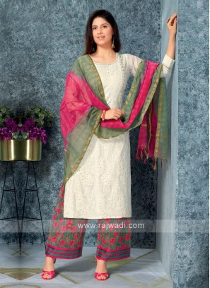 Women Off-white kurta with Palazzos & Stole