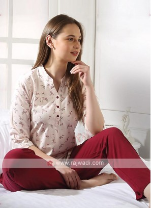 Women peach and maroon night suit