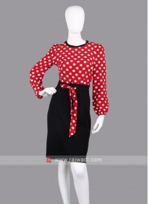 Women Red & Black Colour Sheath Dress