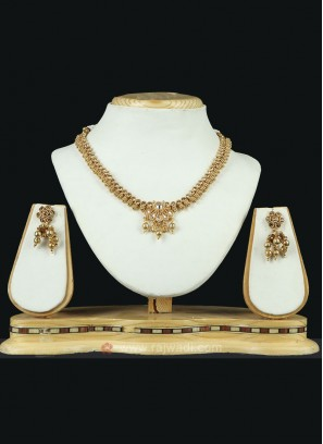 Wonderful Golden Necklace Set