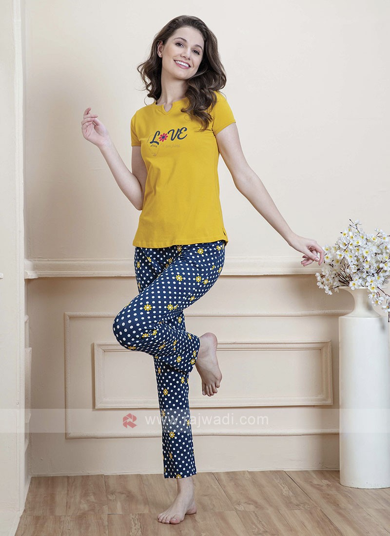 Yellow and blue printed night suit