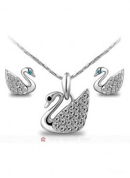Zircon Studded Swan Pendant Set