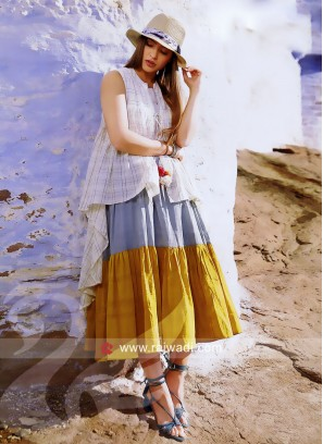 Semi Anarkali Kurti with Layer Checks Koti